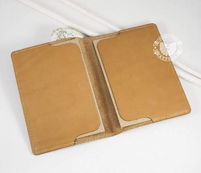 BY14-36-01 Кожаная обложка на паспорт ручной работы «Алатырь Щит» фото 02