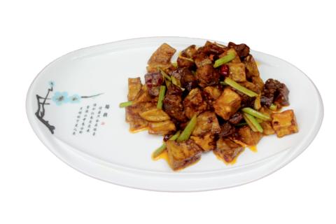 7--24Говядина с баклажанами牛肉烧茄子595р400гр