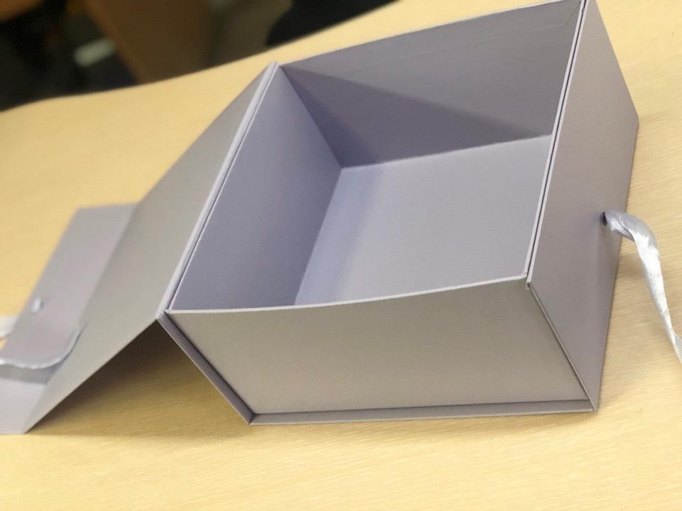 Коробка сундучок Светло серый .  Розница 350 рублей
