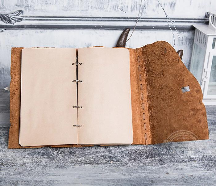BY01-06-04 Кожаный подарочный блокнот «Добыча» с застежкой - клыком (А5) фото 08
