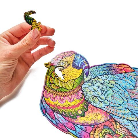 Яркий Попугай от Wood Trick - сборные пазлы причудливой формы, это картины, которые вы собираете сами