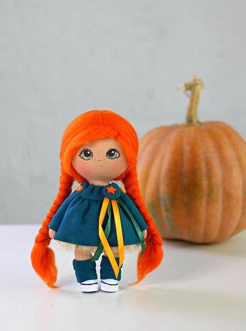 Лялька Фоксі. Колекція La Petite.