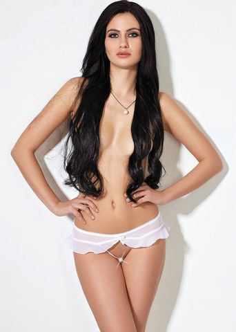 Завлекающие белые трусики с доступом и нежной юбочкой