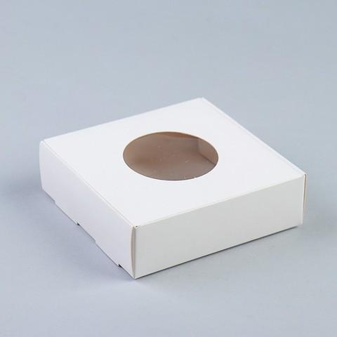 Коробочка,белая с кругл.окном, 10*10*3см