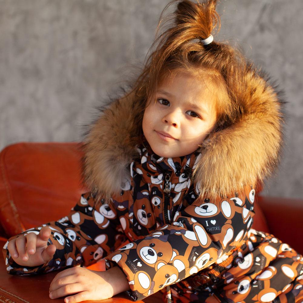 Дитячий зимовий комбінезон чорного кольору з принтом «Ведмедики» і опушкою з натурального хутра