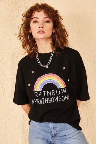 Qadın üçün geniş ölçülü qara  t-shirt Rainbow 10501027