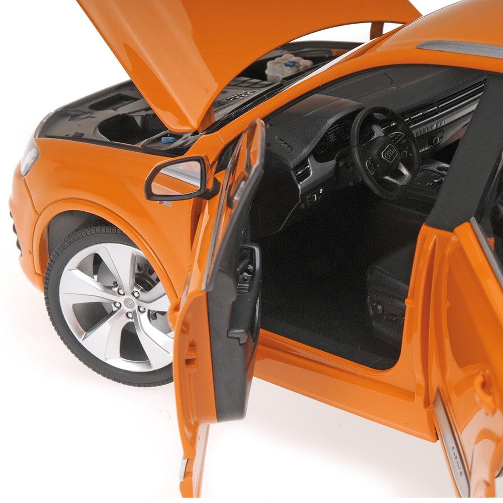 Коллекционная модель Audi Q7 2015 Orange