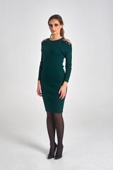 Трикотажное платье украшенное бусинами недорого