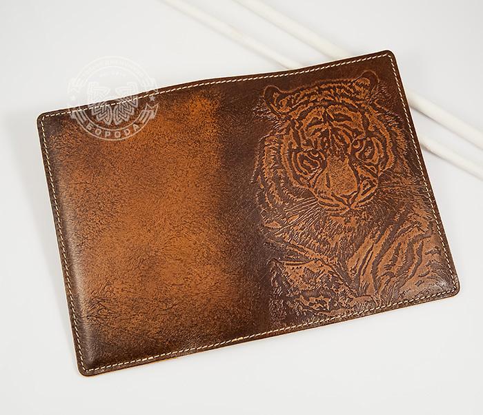 BY14-09-01 Оригинальная обложка на паспорт с тигром, тиснение фото 02
