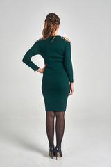 Трикотажное платье украшенное бусинами оптом