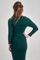 Трикотажное платье украшенное бусинами купить