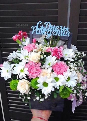 Цветы в деревянном ящике #199