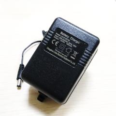 Зарядное уcтройство для аккумулятора 12V (1500мА)