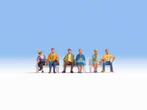 Сидящие фигурки 6 человек (без скамеек)