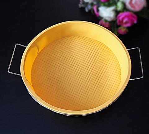 Силиконовая форма для выпечки Круглая для ровного торта на металлической подставке диаметр 25 см