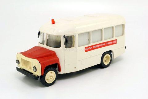KAVZ-3270 Ambulance (early version) Kompanion 1:43