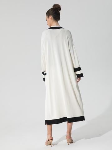 Женский кардиган молочного цвета с карманами и контрастными вставками - фото 4