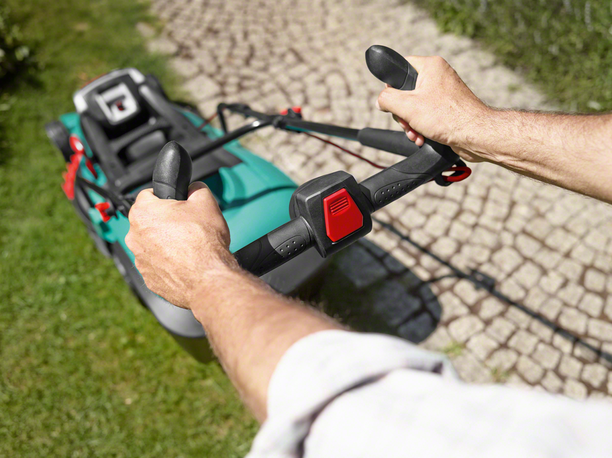 Аккумуляторная газонокосилка Rotak 43 LI (2 Аккумуляторных блока) от Bosch