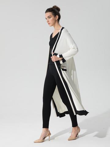 Женский кардиган молочного цвета с карманами и контрастными вставками - фото 3