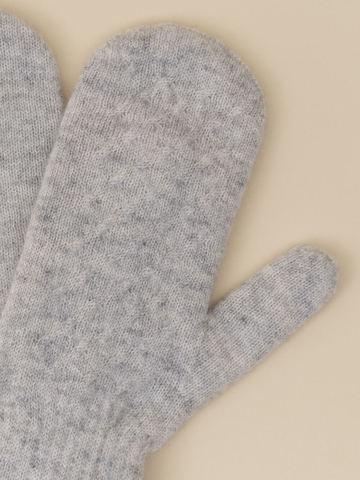Женские варежки серого цвета из 100% кашемира - фото 4
