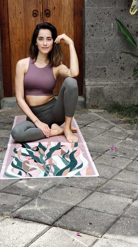 Коврик для йоги Ecstatic 183*61*0,1-0,3 см из микрофибры и каучука