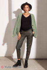 Стильные брюки МОМ для беременных из эко-кожи на замше