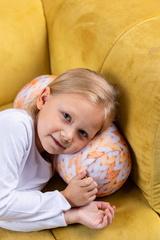 Подушка декоративная валик Gekoko «Вязаный оранжевый» 2