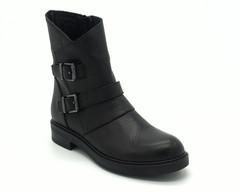 Черные кожаные ботинки с декоративными ремнями