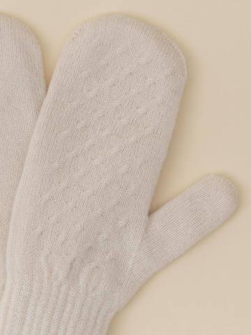 Женские варежки молочного цвета из 100% кашемира - фото 4