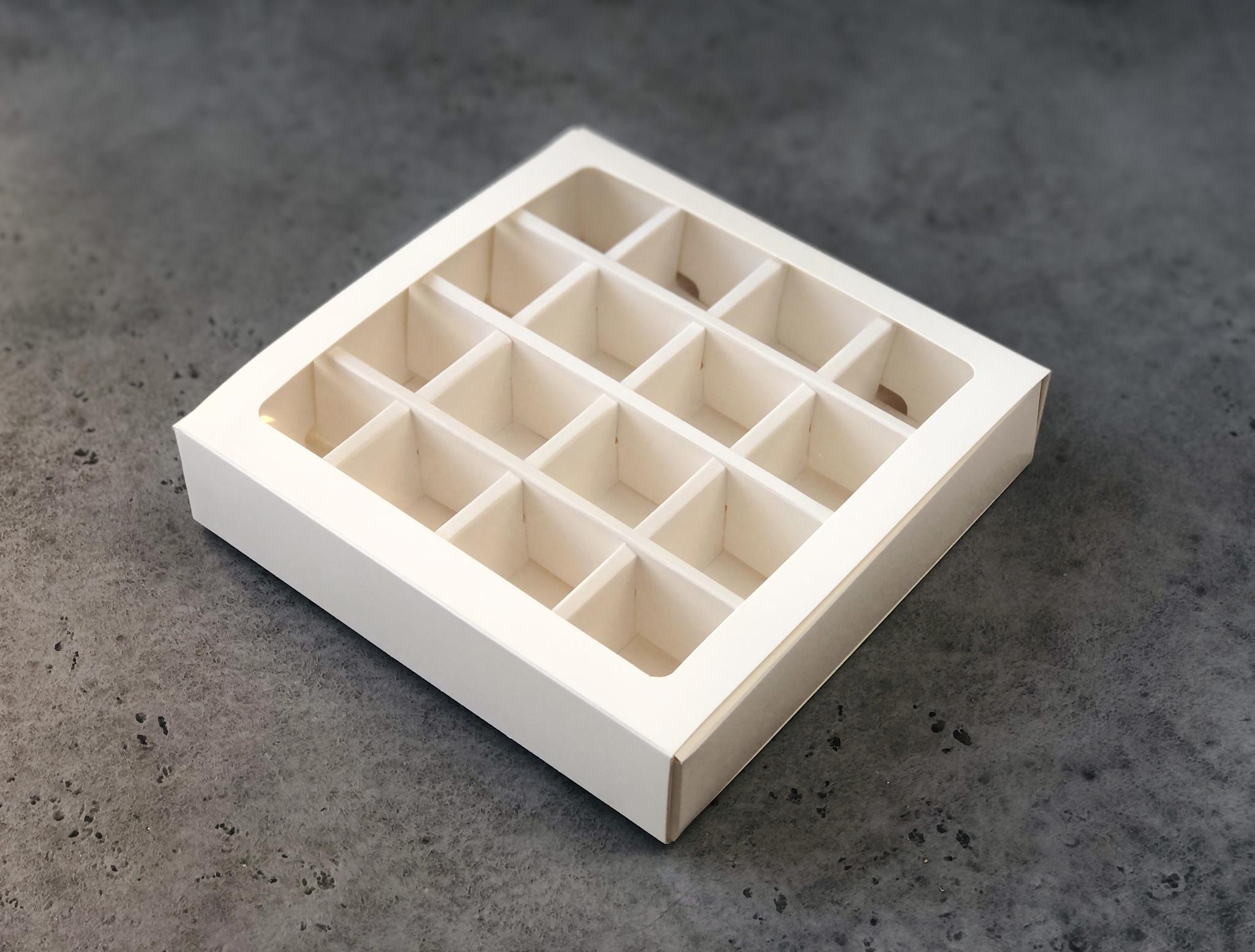 Коробка для конфет 17,5х17,5х4 см, БЕЛАЯ