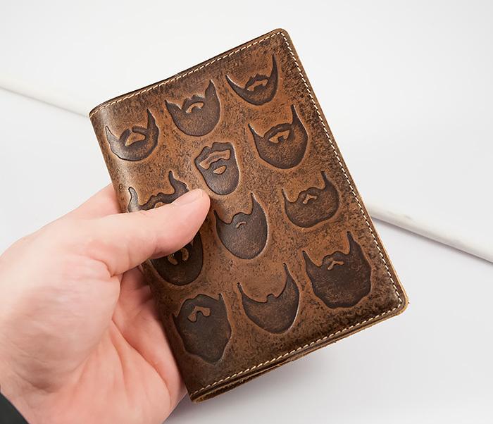 BY14-02-02 Прикольная обложка на паспорт с изображением бород, тиснение фото 05