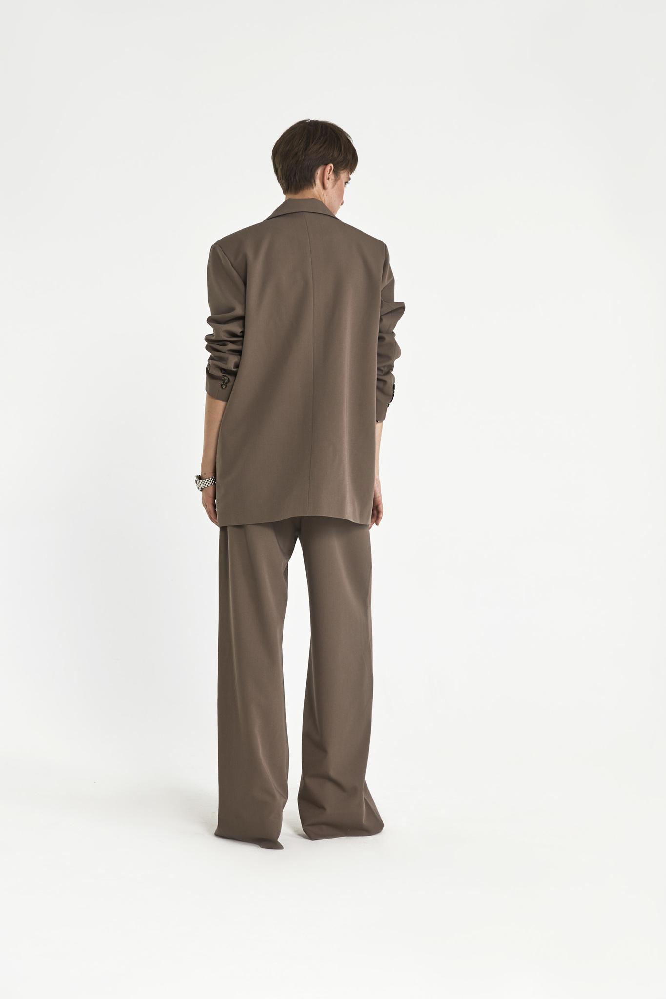 Жакет с большим плечом (костюмный твил), кофейный