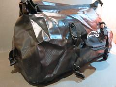Водонепроницаемая сумка Loboo 90 л черная