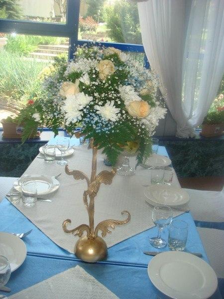 голубые композиции на свадьбу из живых  цветов Алматы 5000 тг