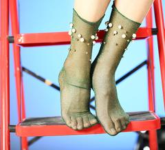 Женские капроновые носки с люрексом (гольфы) с жемчугом и бусинами, зеленые