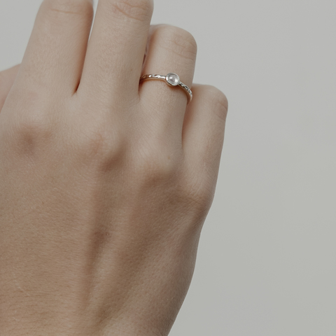 Кольцо BETA - Лунный камень