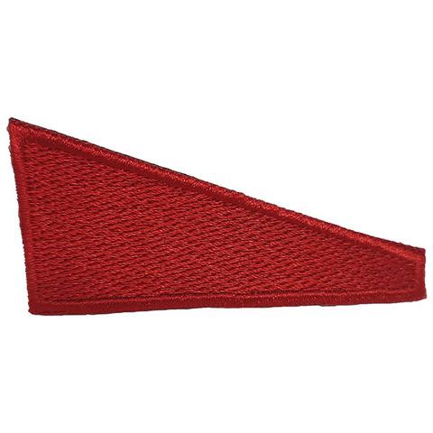 Уголок на берет вышит. Флаг красный