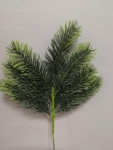 Ветка еловая, длина: 30 см, цвет: зеленый