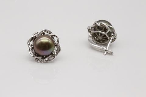 Серьги из серебра с черным жемчугом и фианитами 28416S2