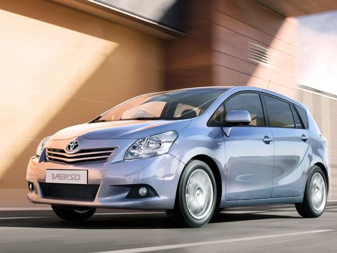 Чехлы на Toyota Verso 2009–2013 г.в.