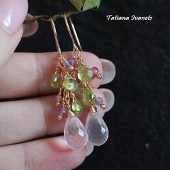 Серьги из натуральных камней розового кварца и хризолита