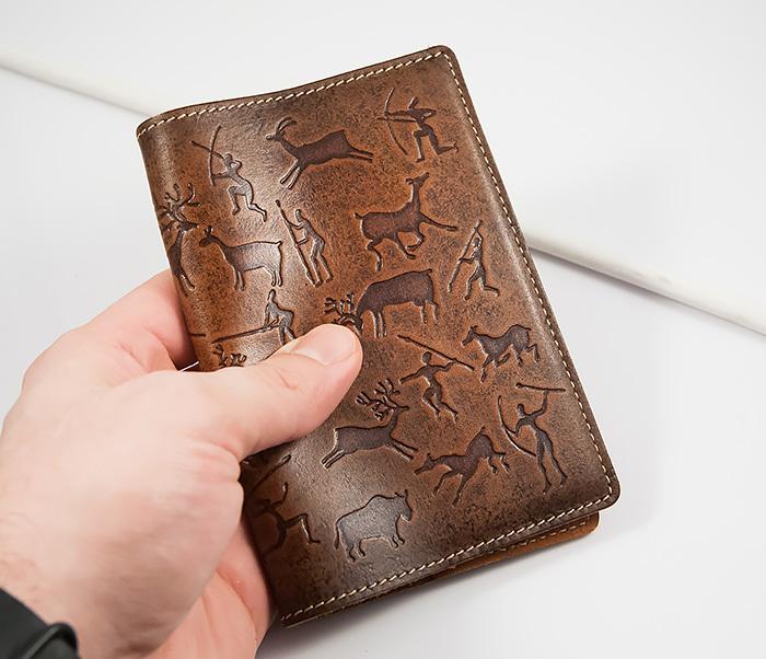 BY14-14-03 Прикольная обложка из кожи на паспорт, тиснение фото 05