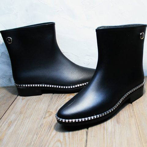 Короткие резиновые сапоги женские утепленные. Современные резиновые сапоги для города HRS 1019 Black   26 см
