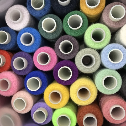 Нитки швейные, 40/2 400 ярд. Dor Tak в ассортименте