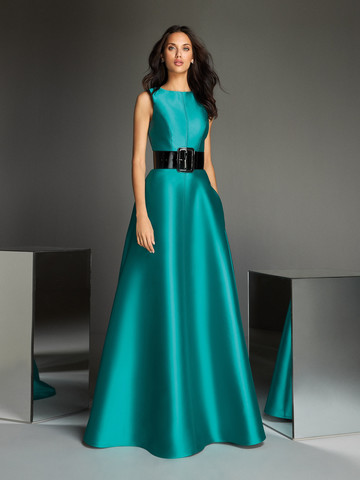 Вечернее платье классическое А-силуэта