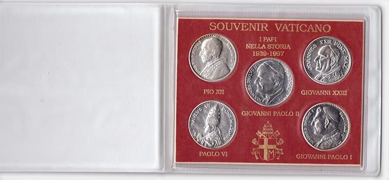 Набор из 5 медалей Ватикана (Понтифики за период 1939-1997). Серебро в оригинальном буклете