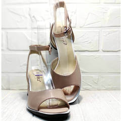 Кожаные женские босоножки квадратный носок Brocoli B18900N-5454 Beige.