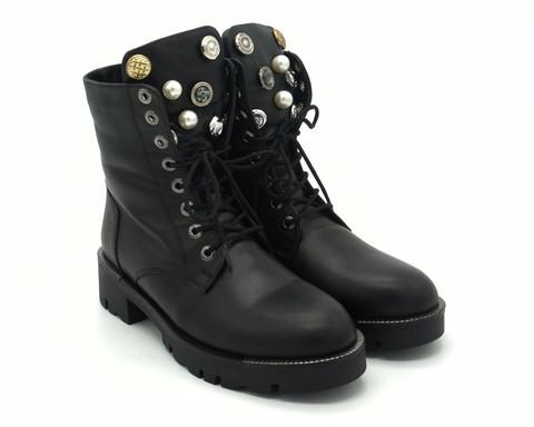 Черные кожаные зимние ботинки на шнуровке с декорировным язычком