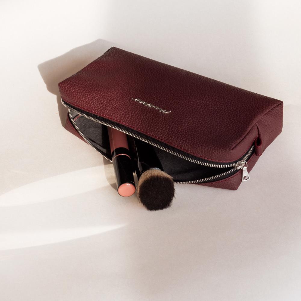Женская косметичка Briquette Easy из натуральной кожи теленка, бордового цвета