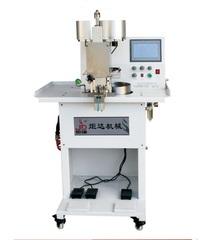 Фото: Автоматическая машина с двумя головками для установки жемчуга и клепок с 4-мя креплениями JUDA JD-136D